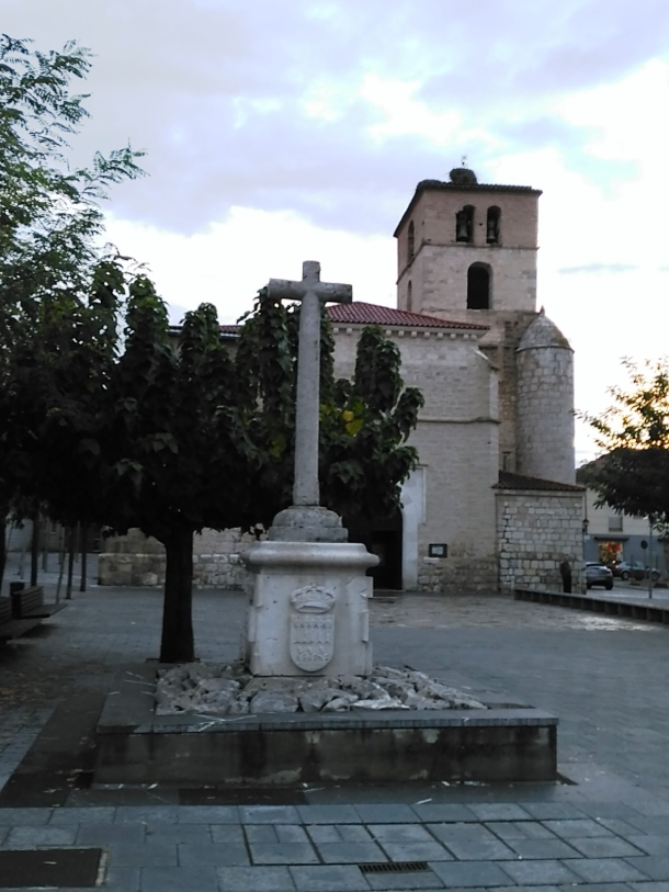 Cruz en la Plaza de la Iglesia