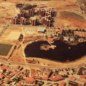 El parque del entorno del lago en Laguna deDuero